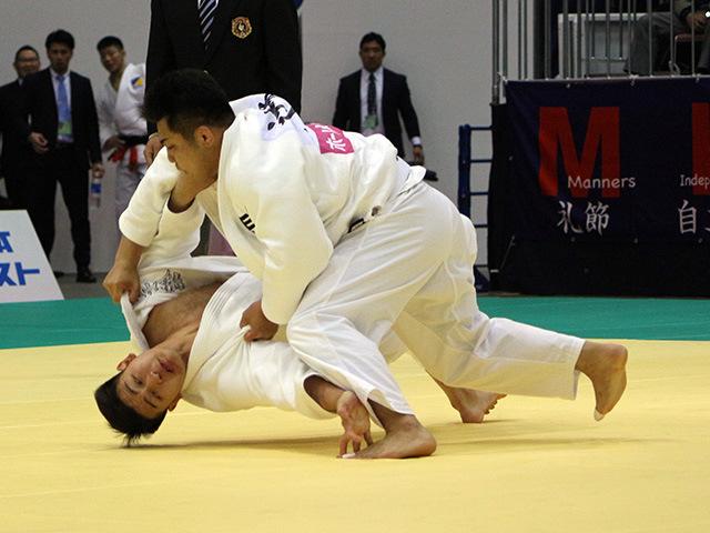 男子100kg級 辻本拓記 vs 飯田健太郎