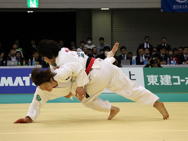 女子52kg級 角田夏実 vs 志々目愛