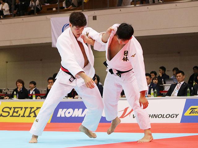 男子90kg級1回戦 村尾三四郎vs長井晃志