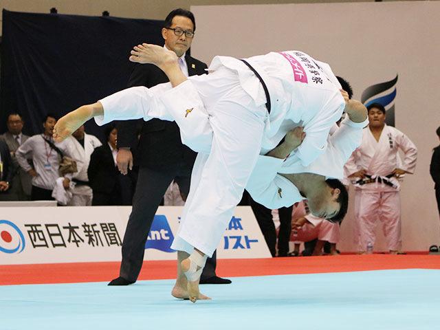 男子100kg級1回戦 飯田健太郎vs松雪直斗