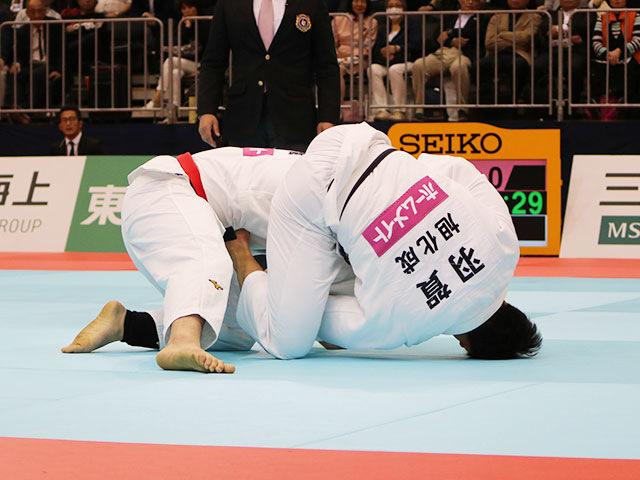 男子100kg級決勝戦 ウルフアロンvs羽賀龍之介�@