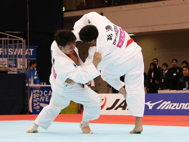 男子100kg超級1回戦 影浦心vs佐藤和哉