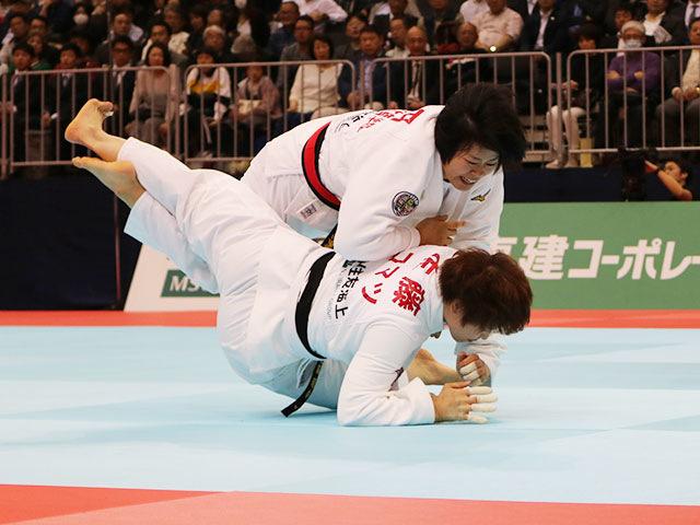 女子78kg級決勝戦 �M田尚里vs佐藤瑠香�A