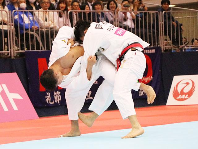 男子66kg級決勝戦 阿部一二三vs丸山城志郎�B