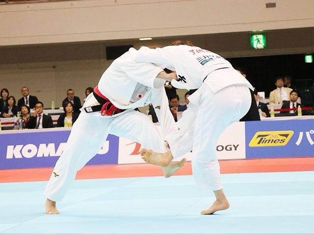 女子52kg級決勝戦 志々目愛vs角田夏実�@