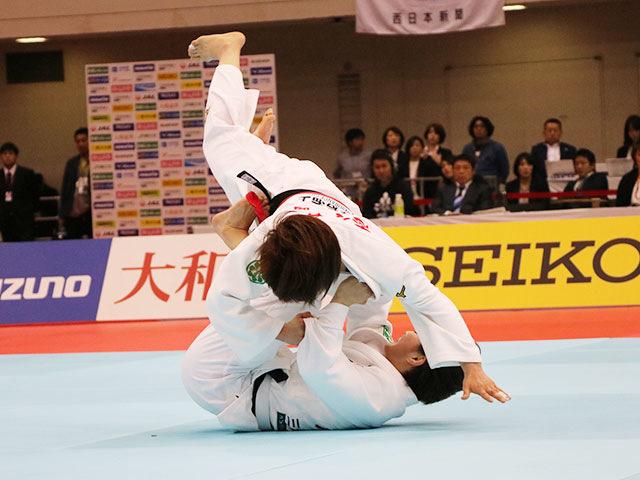 女子52kg級決勝戦 志々目愛vs角田夏実�A