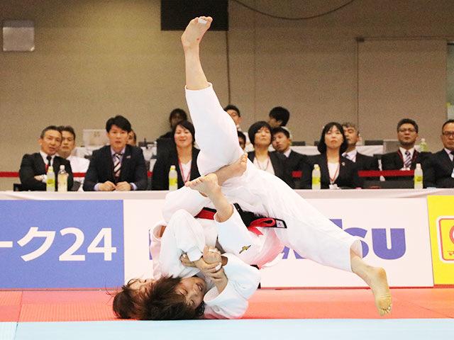 女子52kg級決勝戦 志々目愛vs角田夏実�B