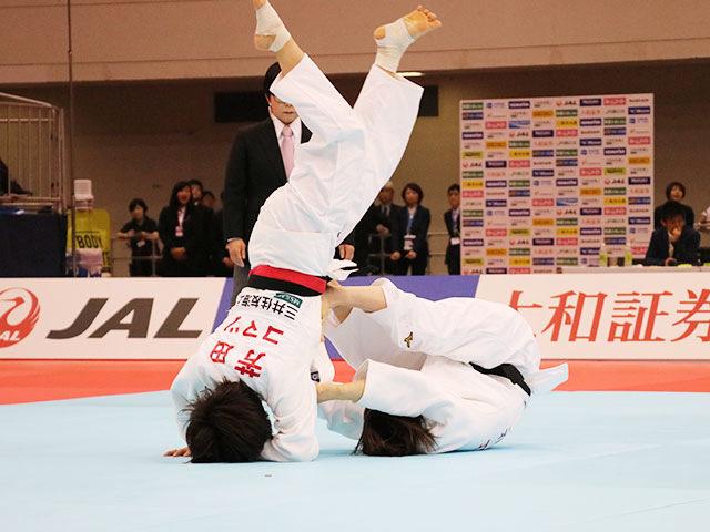 女子57kg級決勝戦 芳田司vs玉置桃�@