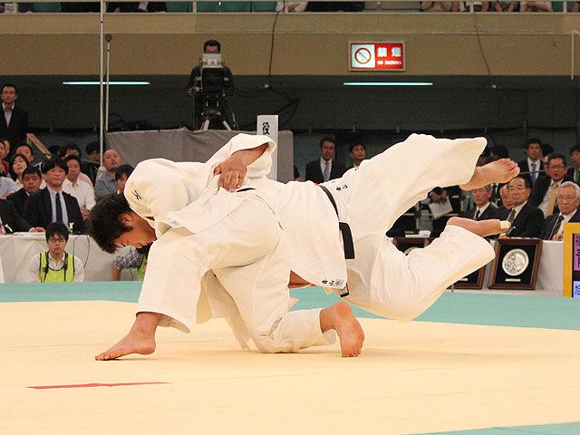吉田優也 vs 青山正次郎