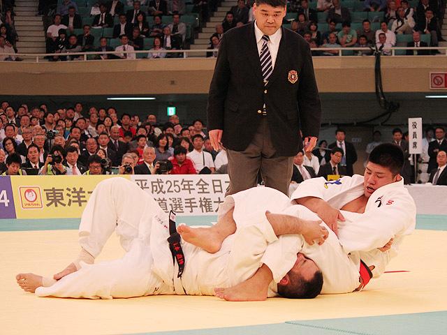 加藤博剛選手・初戦突破!