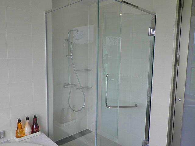 シャワーブース(モデルルーム)